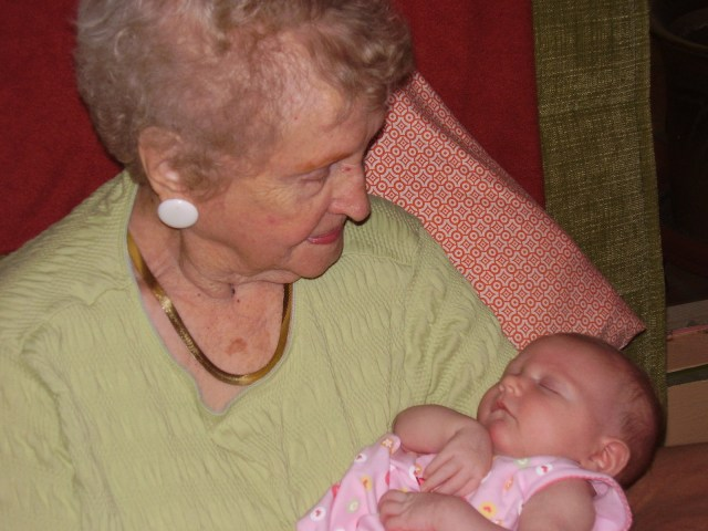 sophia and greatgma mary (2)